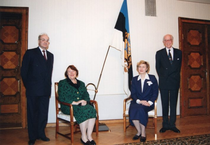 Swiss Ambassador Sven Meili, Jacqueline Meili, Helle Meri, and President Lennart Meri at the presentation of credentials in Kadriorg Palace. Photo: Archives of the Ministry of Foreign Affairs / Voldemar Maask
