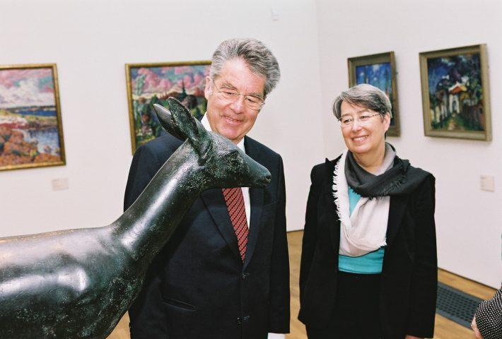 President Heinz Fisher koos abikaasa Margit Fischeriga Kumu kunstimuuseumis Foto: välisministeeriumi arhiiv, Erik Peinar