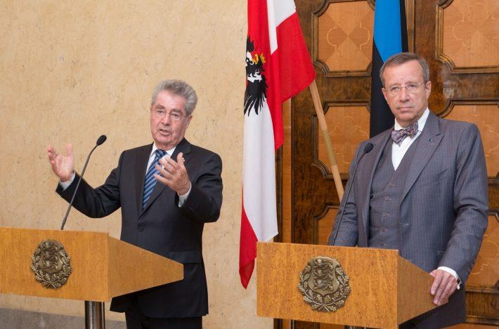 Die Präsidenten Heinz Fischer und Toomas Hendrik Ilves gaben eine Pressekonferenz im Schloss Kadriorg. Foto: Archiv des Außenministeriums, Erik Peinar